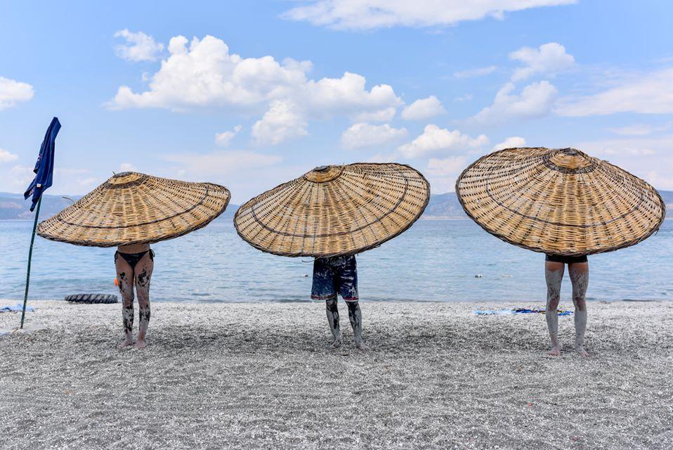 Salda Gölü Şemsiyeler